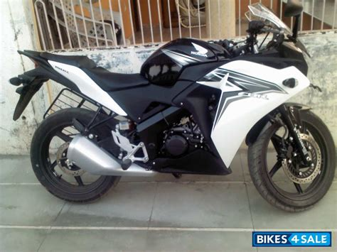 Black White Honda Cbr 150r Picture 1 Album Id Is 102892