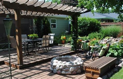 Creating A Backyard Oasis On A Budget Backyard Oasis Patios Amp Deck Designs Decorating Ideas