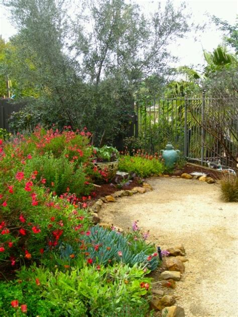 mediterranean garden with decomposed granite path ideas for nic and ash pinterest gardens
