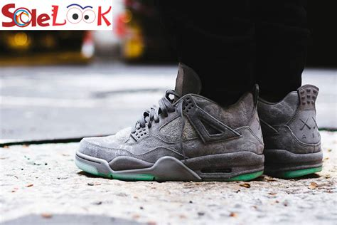 Air 4 Cool Grey On by Kaws X Nike Air 4 Retro Quot Cool Grey Quot Glow In The Outsole Sole Look