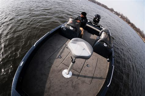 best walleye boat a guide to what makes for the best walleye boats the