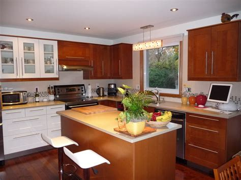 knobs or pulls on kitchen cabinets contemporary with wood
