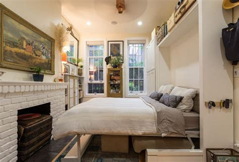 murphy bed nyc couple turns a 22 sqm new york apartment into a cozy home