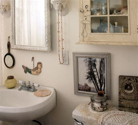 unique bathroom accessories with vintage decoration ideas