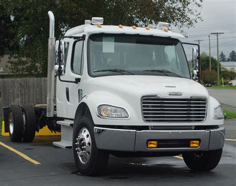 Cummins Post Mba by 2016 Freightliner M2 132 Extended Cab Single Axle Bailey