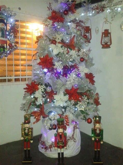 arbol de navidad rojo blanco y plateado navidad pinterest