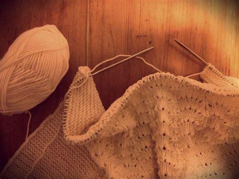decke gestrickt kuschelige babydecke stricken lochmuster stricken