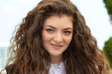 new female artists 2014 top 10 popular female singers in 2014 celebrity hot updates