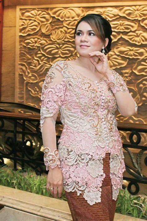 Kebaya Prada Modern kebaya prada mode fashion kebaya baju