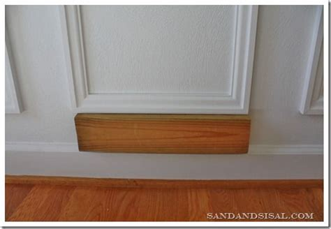 Frame Wainscoting by Best 25 Picture Frame Molding Ideas On