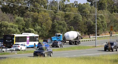 Mba 641 Project 5 by Bid To Stop Traffic Crossing Mt Lindesay Highway Poll