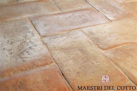 pavimenti casale pavimento in cotto invecchiato per casali e cascine citt 224