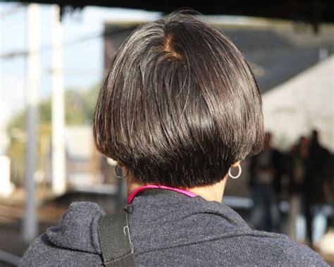 show side back view of the original dorothy hamil haircut 30 bob corti visti da dietro