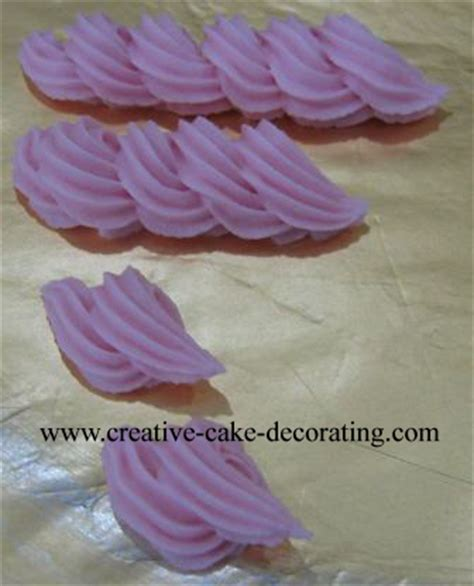 Cake Decorating Techniques by Cake Decorating Techniques Basics Of Piped Cake Decorations