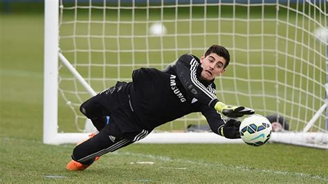 chelsea keeper thibaut courtois best goalkeeper training chelsea
