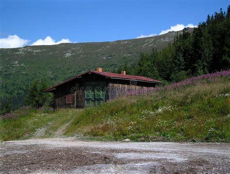 cottage in montagna cottage della montagna immagine stock immagine di