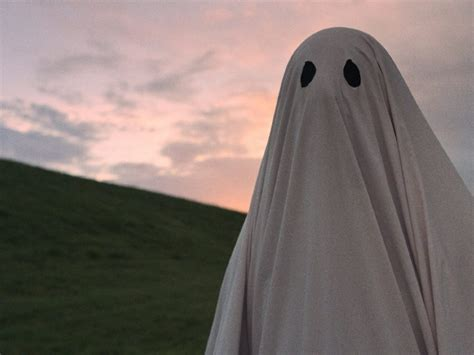 a ghost story 2 new stills come haunting dread central
