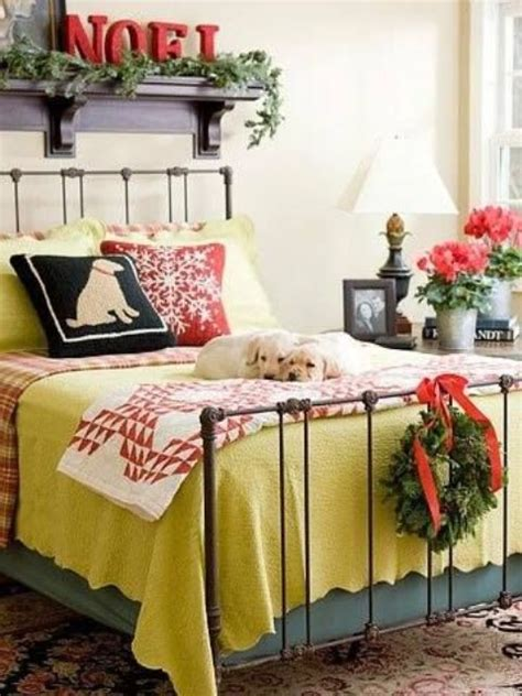 how to decorate a bedroom for christmas 32 adorable christmas bedroom d 233 cor ideas digsdigs