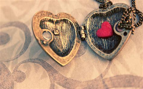 themes love new romantic love heart shaped couple desktop wallpaper 4