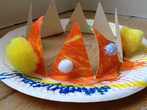 How To Make A Paper King Crown - crown paper plate toddler pre school craft make your