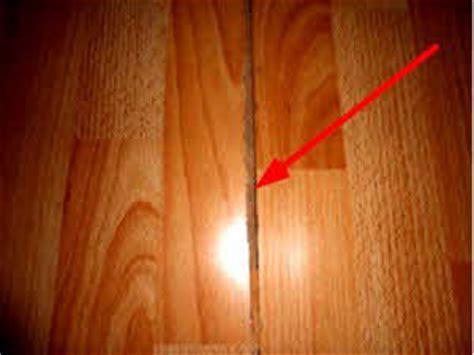 parkett aufgequollen laminat ausbessern fugen mit paste reparieren