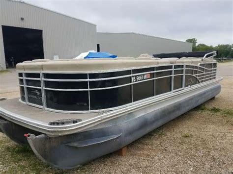 bennington pontoon boats for sale wisconsin used pontoon boats for sale in wisconsin boats