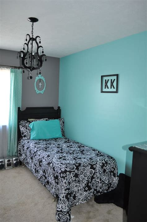 tiffany blue and grey bedroom i m thinking of aqua walls black furniture and a black