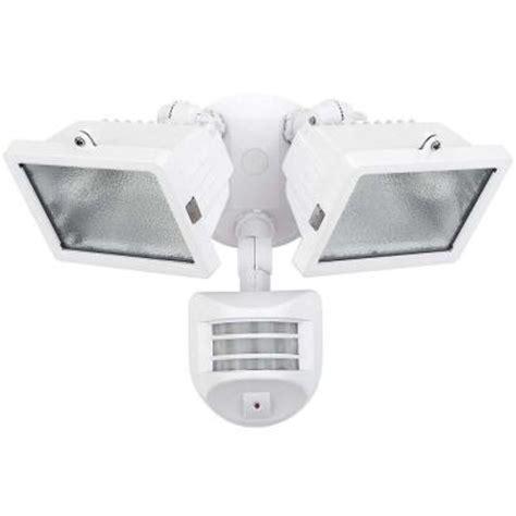 Halogen Outdoor Flood Light Fixture Globe Electric 300 Watt L Halogen Outdoor White Motion Sensing Flood Light Fixture 79127