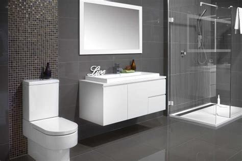 piastrelle bagno grigie pareti grigie come abbinarle agli ambienti e allo stile