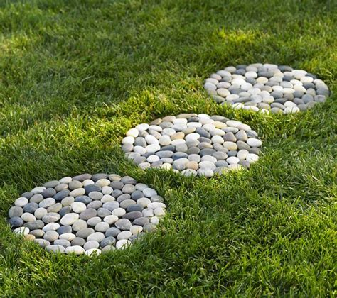 Garden Stepping by 30 Best Decorative Stepping Stones Ideas And Designs 2017