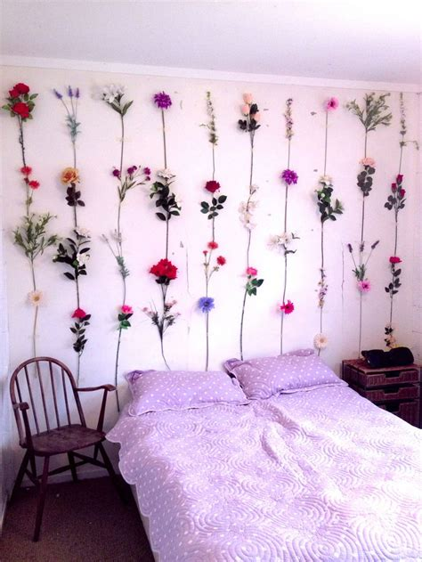 Bedroom Flower Decoration by 26 Dreamy Bedroom D 233 Cor Ideas Digsdigs