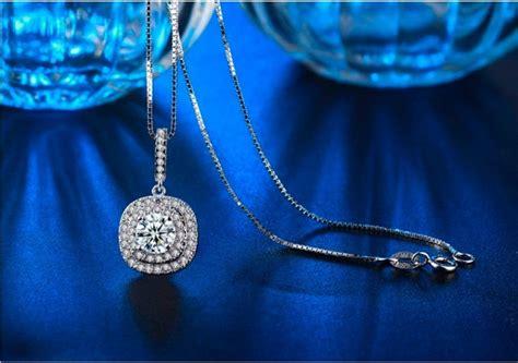 Kalung Kalung Silver Lapis Emas Putih Pendant Kupu Kupu Fashion Ko jual kalung emas putih pendant kotak cz berlian imitasi wanita bn029 di lapak onin store oninstore