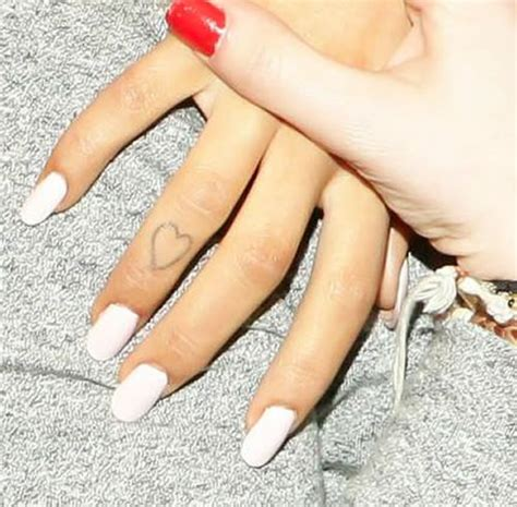ariana grande tattoo check out grande s finger and hi toe