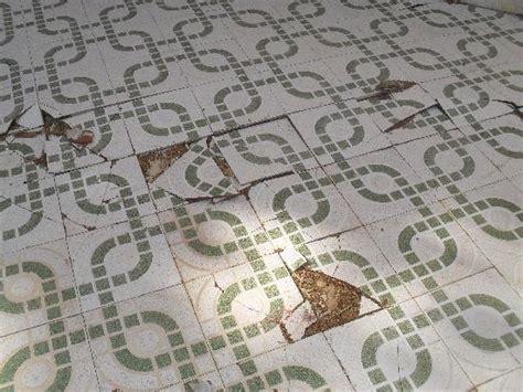 Karpet Tile Polos tiles broken tile design ideas