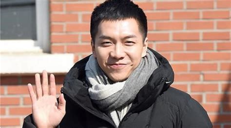 lee seung gi lagu psy persembahkan sebuah lagu untuk lee seung gi showbiz