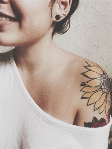 cool small shoulder tattoos 45 cool shoulder designs for creative juice