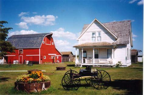 house and barn 1909 farmhouse and barn the last refuge