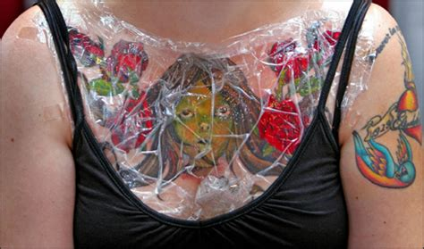 signs of tattoo infection infection pictures