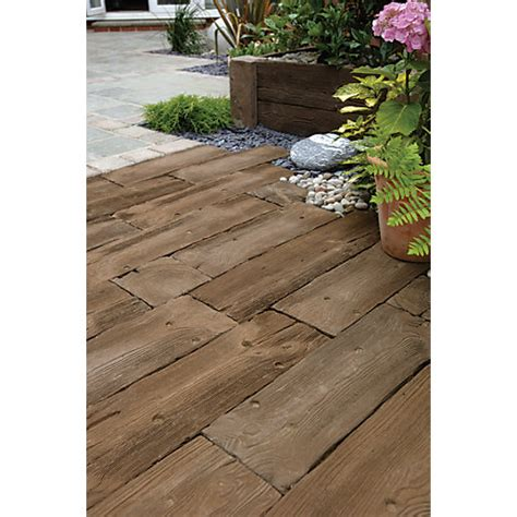 Travis Perkins Sleepers by Marshalls Woodstone Brown 200 X 200 X 40mm Sleeper