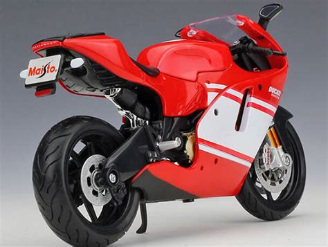 Maisto Ducati Desmosedici Rr 112 1 12 scale maisto ducati desmosedici rr gp motorcycle