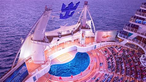top  reasons  book  cruise  royal caribbeans symphony   seas flight centre canada