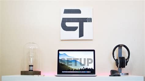 macbook pro desk setup minimalist macbook pro desk setup 2018
