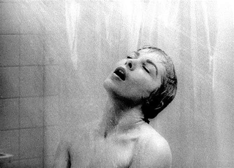 donne nella doccia senza niente addosso de huiveringwekkende douchesc 232 ne uit psycho nagemaakt in