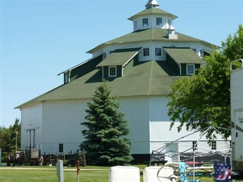 Octagon Barn Festival gagetown photos featured images of gagetown mi