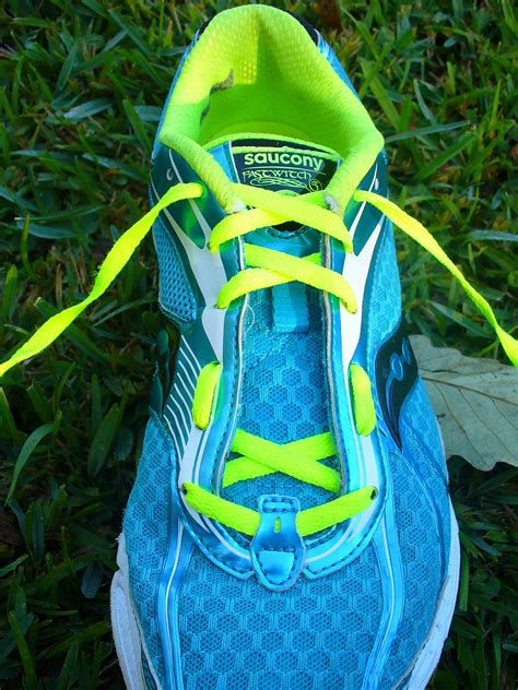 how to tie running shoes running shoe lacing techniques breathlessrunner