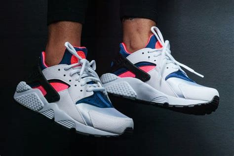 imagenes nike huarache nike air huarache quot og quot retro white royal pink is available