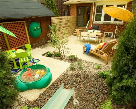 Kid Friendly Backyard Landscaping by Designer S Tricks Cheap And Easy Backyard Ideas