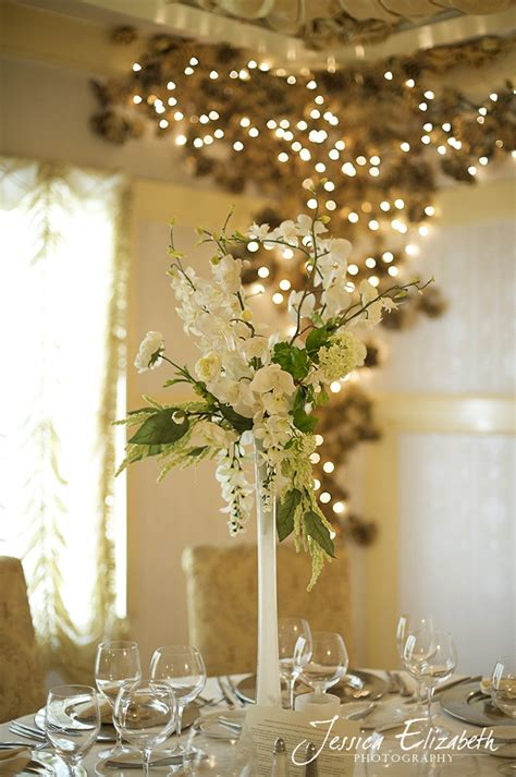 Frosted Eiffel Tower Vases by White Frosted Finishes Take The Eiffel Tower Vase To A Whole Nother Level Amina S Wedding