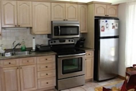How To Paint Over White Cabinets Painting Oak Cabinets How To Repaint Kitchen Cabinets White
