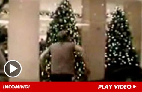 kiefer sutherland christmas tree video is greatest gift